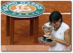 Francesca Schiavone captures French Open 2010 Womens Singles title
