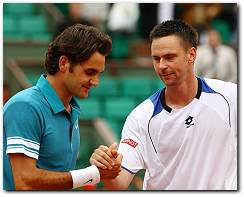 Robin Soderling beats Roger Federer, advances to French Open 2010 Semifinals